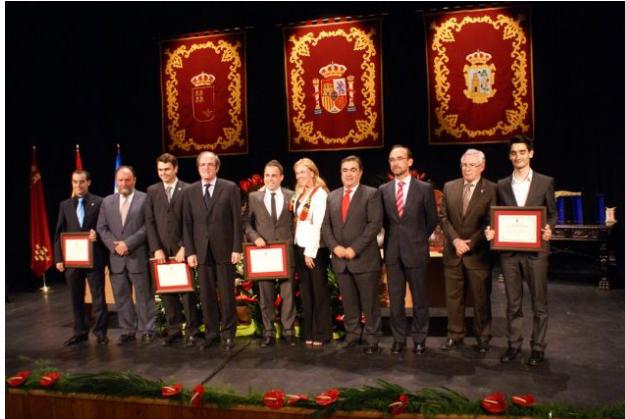Ángel Gabilondo entrega Escudo de Plata
