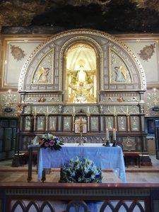Altar de la cripta-capilla en el Santuario de Ntra. Sña. De la Virgen de la Esperanza.