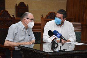 Jose Moreno el Morenico y Antonio Merino en el Salón de Plenos del Ayuntamiento